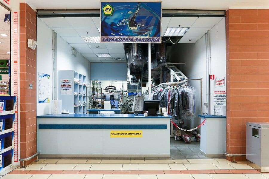 Lavanderia Bagnoli : F lavanderia albenga centro commerciale le serre